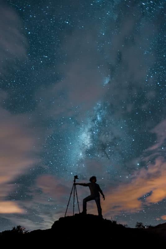 Fotógrafo con Vía Láctea