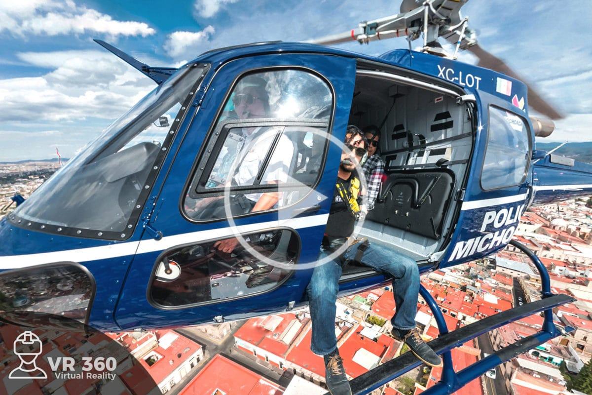 Selfie haciendo la foto del helicóptero de la policía